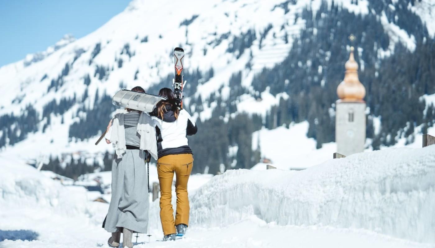 Das Hotel direkt an der Skipist ein Lech am Arlberg - hotel & chalet madlochblick.