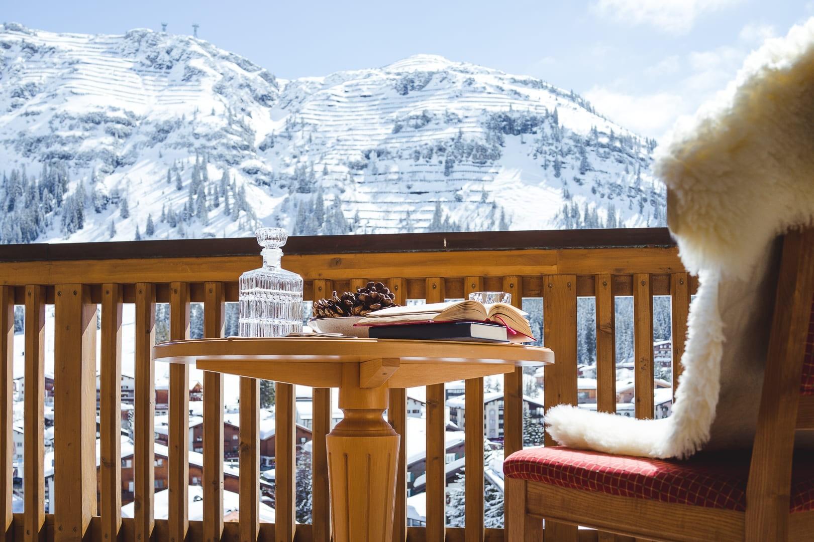 Ausblick vom Balkon des Zimmers Lechpanorama auf den Rüfikopf.