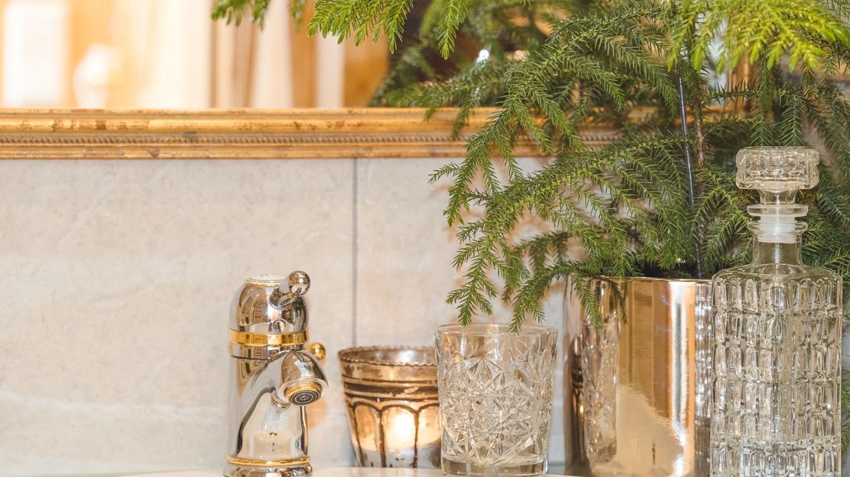 Badezimmer Stimmungsbild im Zimmer Rüfikopf.