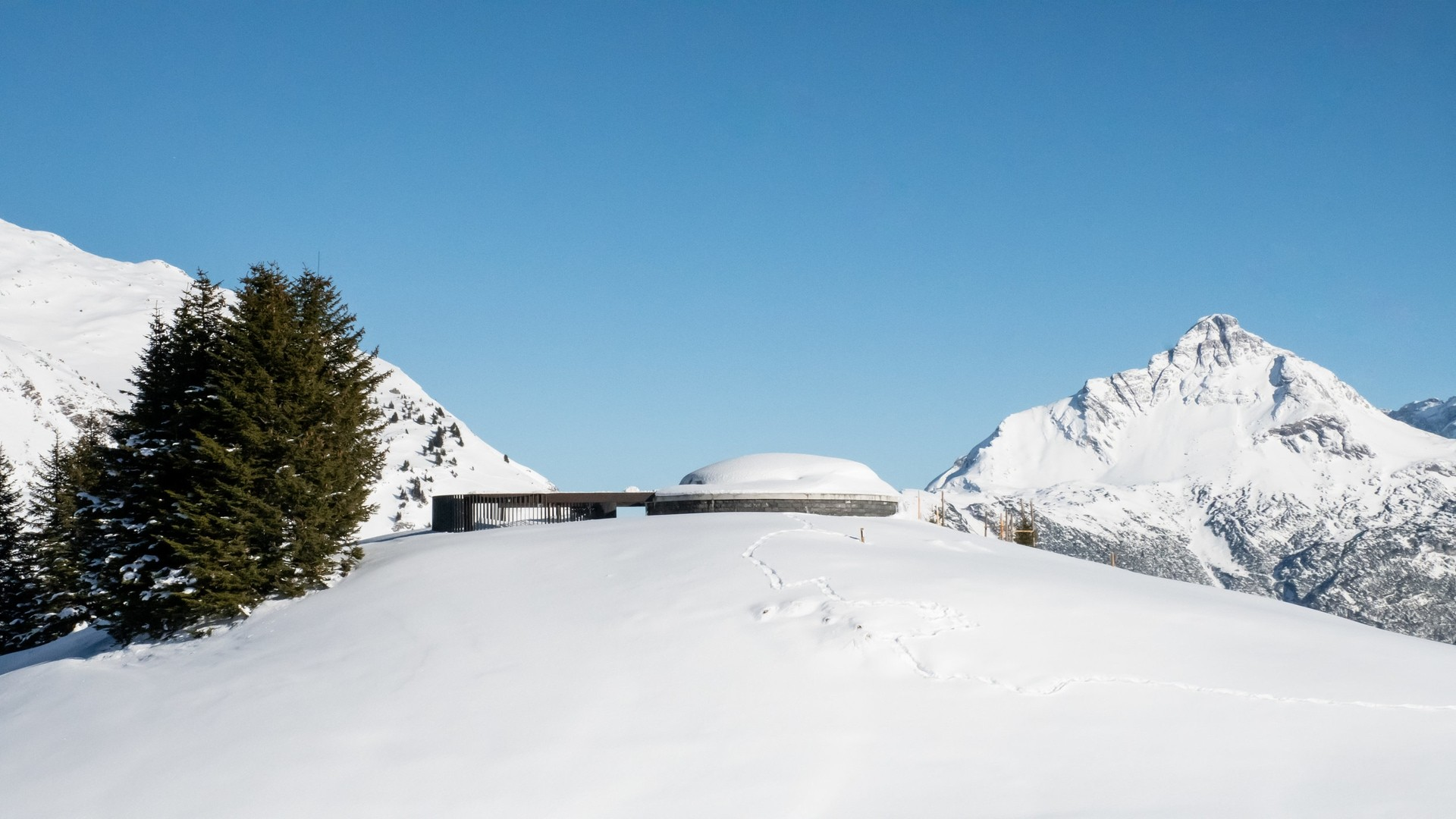Skyspace in Lech am Arlberg von James Turrel.